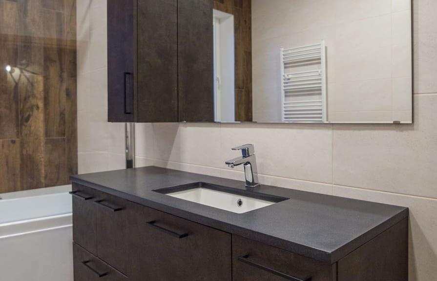 vonios stalviršis iš betono
