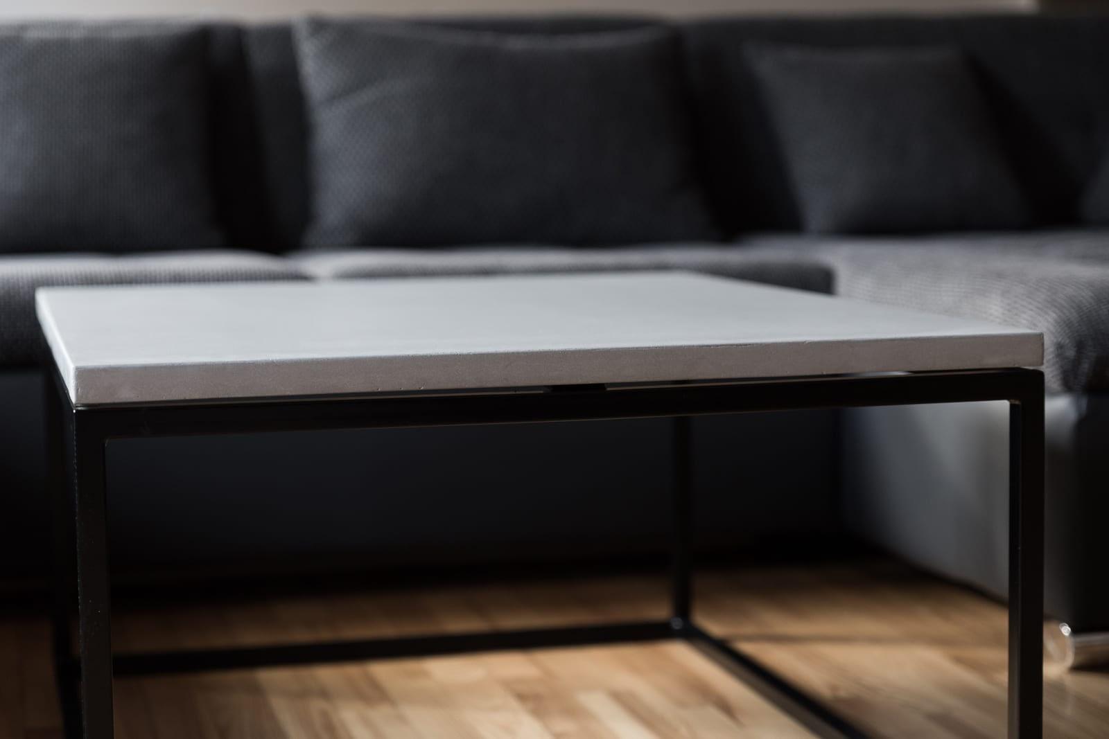 betoninis kavos staliukas